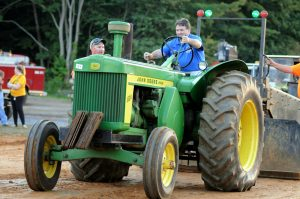 celebrity-tractor-pull_5411