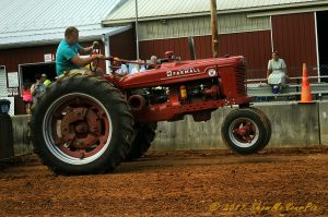 2017-antique-tractor-pull
